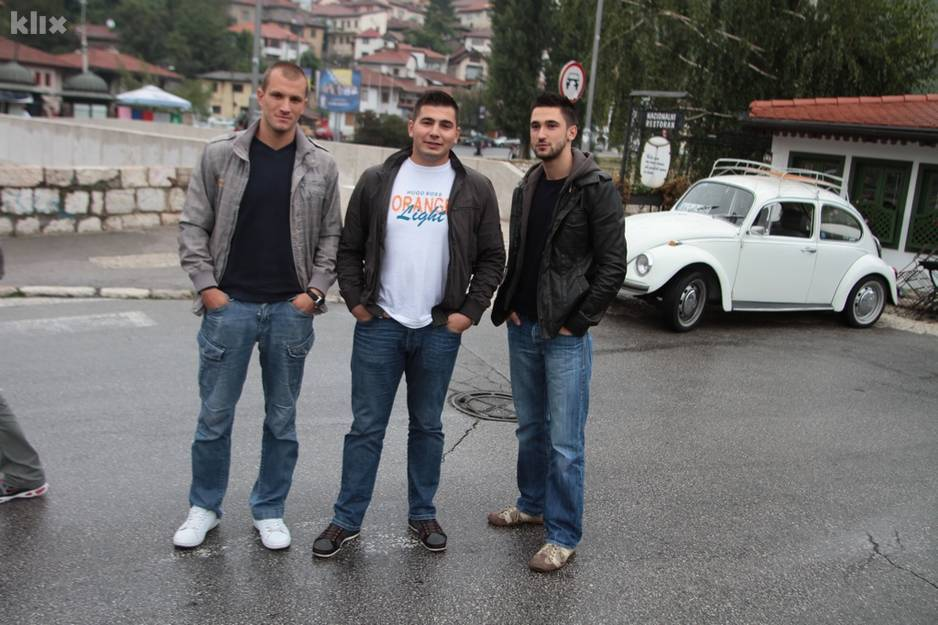 Četiri prijatelja iz Sarajeva u Bubi staroj 42 godine putuju u Madrid 120914114.2_xl