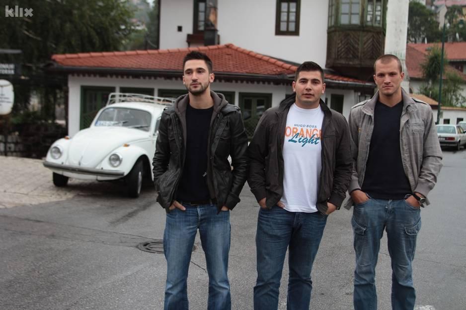 Četiri prijatelja iz Sarajeva u Bubi staroj 42 godine putuju u Madrid 120914114.3_xl