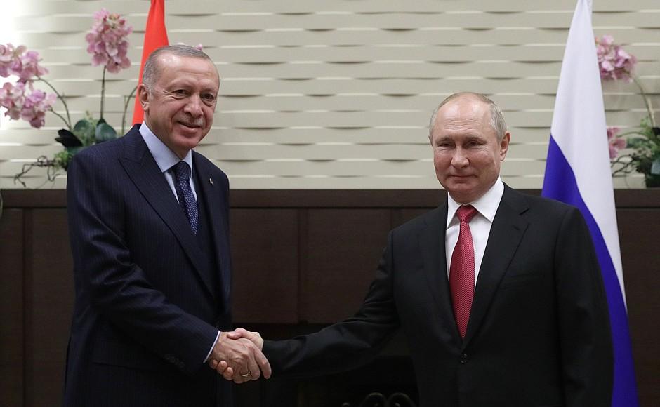 Rusko-Turski summit u Sočiju: Na stolu Sirija, Libija, Afganistan, Kavkaz i Balkan V68CwKj8mMAsdONod5v1uluT4ul8JlTL
