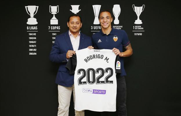 ¿Cuánto mide Rodrigo Moreno? - Altura 118886090--624x401