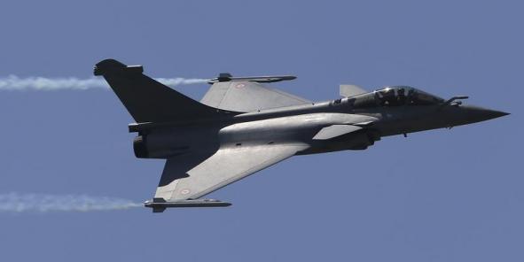 حصري : ماذا لو قامت بارسي بإجهاض عملية بيع طائرات الرافال و الفرقاطات لمصر ؟  Hollande-declare-qu-il-s-attendait-a-l-echec-du-rafale-au-bresil