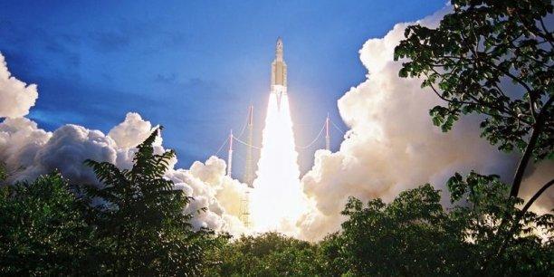 Lancement Ariane 5 ES VA233 / GALILEO (x4) - 17 novembre 2016 - Page 3 Ariane-5-place-en-orbite-deux-satellites-de-telecommunications