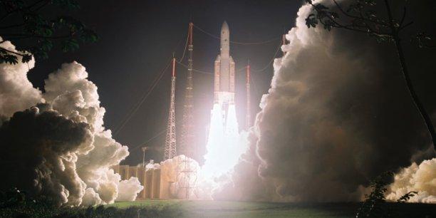 Lancement Ariane 5 ECA VA234 / Star One D1 + JCSat-15 - 21/12/16 [Succès] - Page 4 Avec-74-lancements-ariane-5-egale-ariane-4