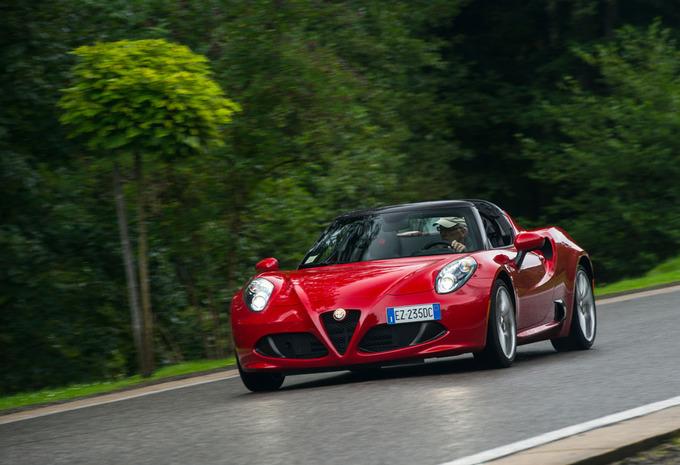 [Alfa Romeo] 4C Spider Alfa-4c-spider-2015-1