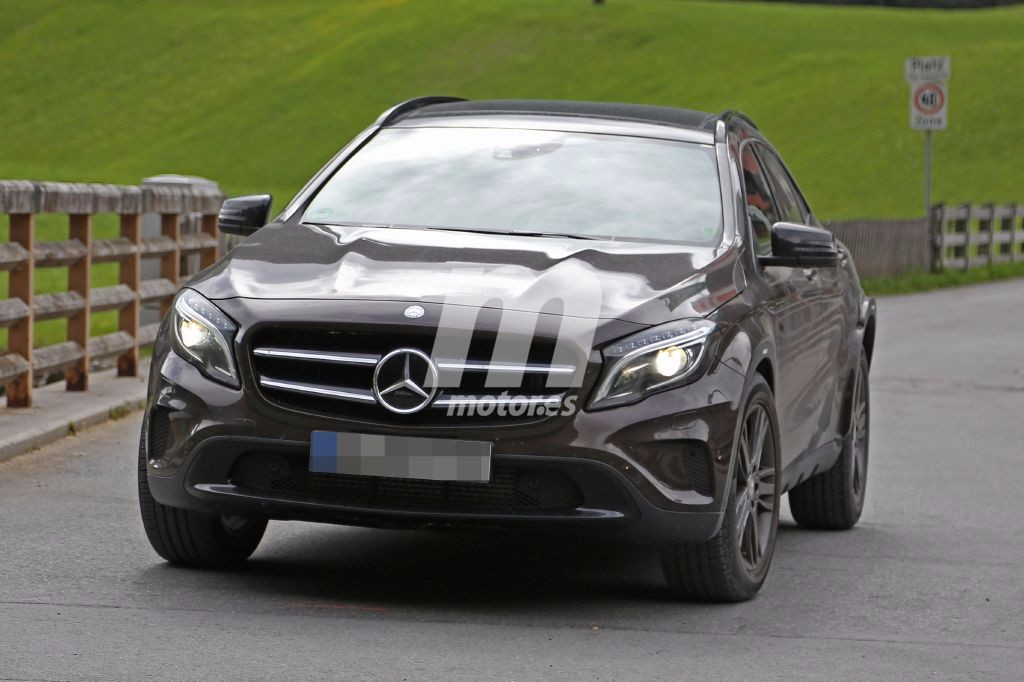 2018 - [Mercedes-Benz] GLB Mercedes-benz-glb-2018-chasis-test-201627905_10