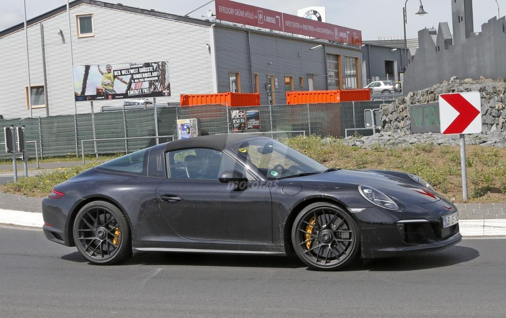 2015 - [Porsche] 911 Restylée [991] - Page 10 Porsche-911-gts-2017-fotos-espia-201627832_5