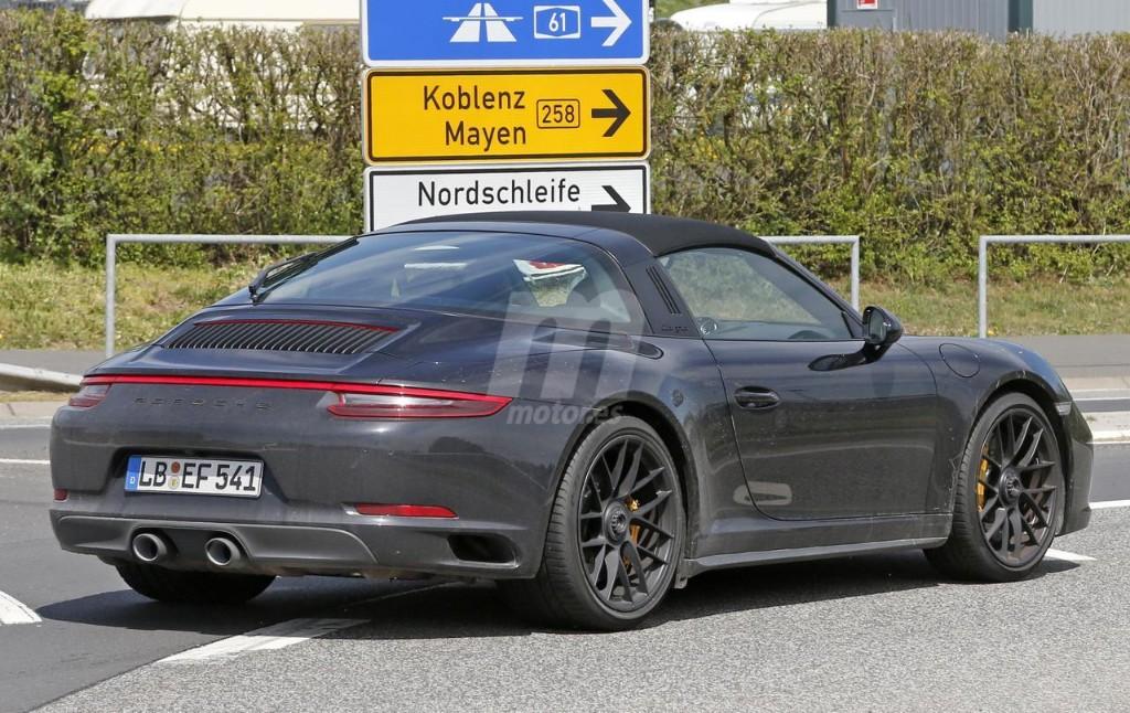 2015 - [Porsche] 911 Restylée [991] - Page 10 Porsche-911-gts-2017-fotos-espia-201627832_9
