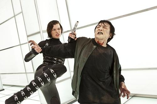 Resident Evil Retribution (2012) Resident-evil-retribution-stars-milla-jovovich_500x333