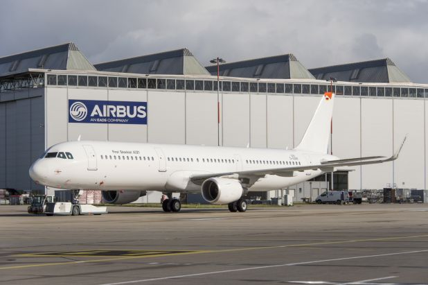 "Airbus, famille A320, avec ""winglets"" - Page 5 10wpk"