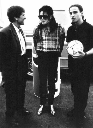 Morandi e Ramazzotti raccontano l'incontro con Michael Jackson - Pagina 3 53aaae3e546f1