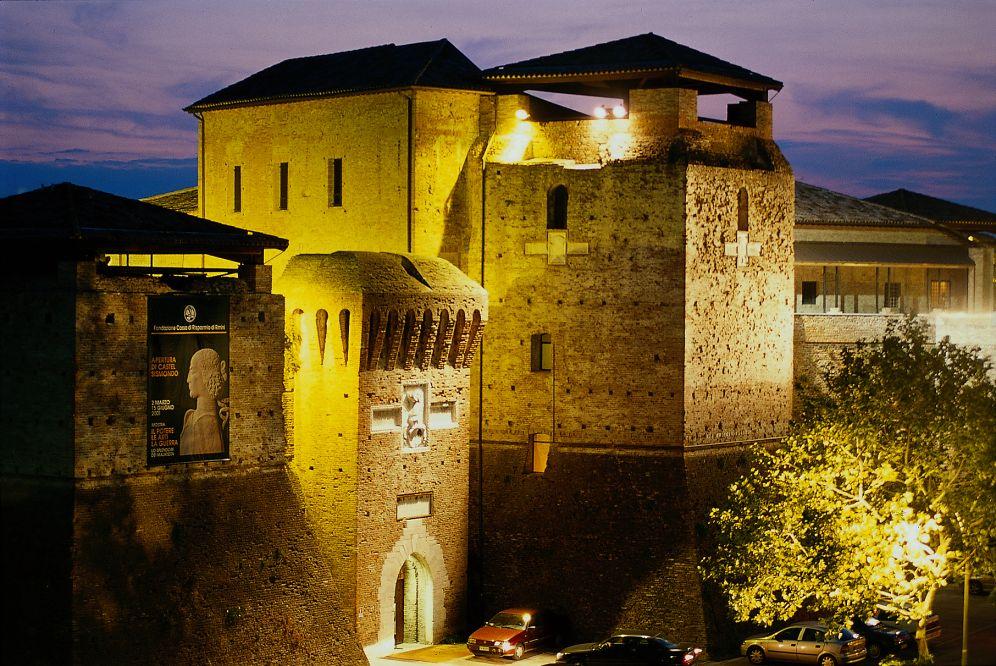 Rimini - ponos italijanske obale Castel-sismondo.tif