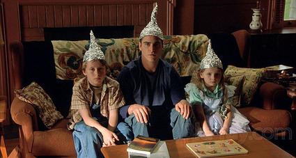 Przerażające sekrety rządzących elit! Signs_tinfoil_hats-thumb-425x227-31863