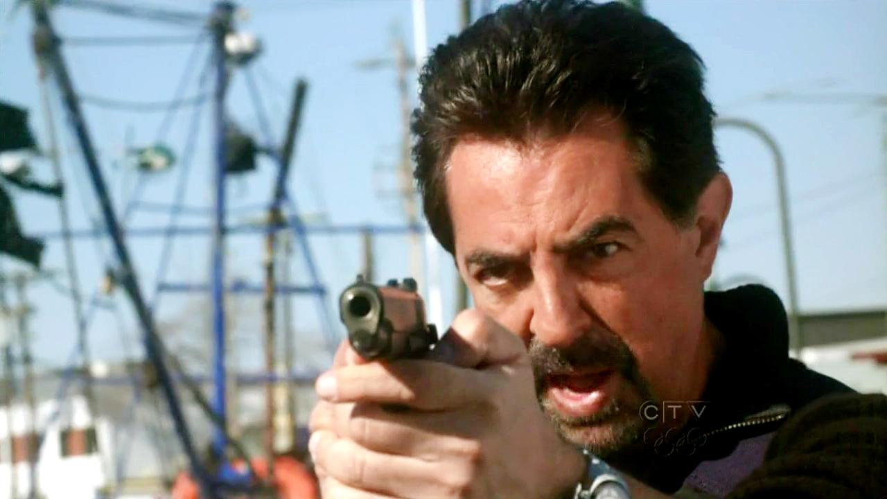 Kedvenc képeink David Rossiról - Page 2 Criminal-Minds-5x21-Exit-Wounds-David-Rossi-Cap