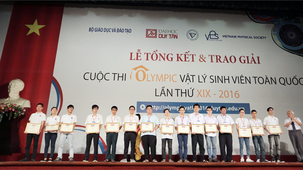 Sinh viên ĐH Duy Tân đoạt giải Nhất Olympic Vật lý sinh viên toàn quốc Duytan_oyeg