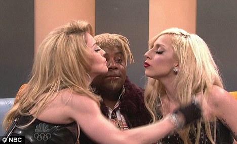 <<Off Topic>> [2] Yo soy Malik ON ¿Y tu? - Página 2 Lady-gaga-and-madonna-kiss
