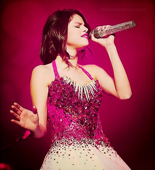 Selena Gomez - Σελίδα 2 Tumblr_lvl5ymhr4n1r0csnio1_r1_500