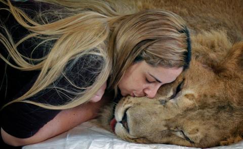 Nụ hôn còn lại đủ dùng đến lúc anh về Nguoiduatin-sk0813025713