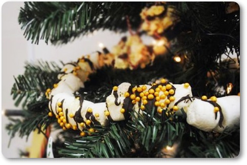 Tko bi im odolio – jestivi ukrasi za bor Marshmallow-string