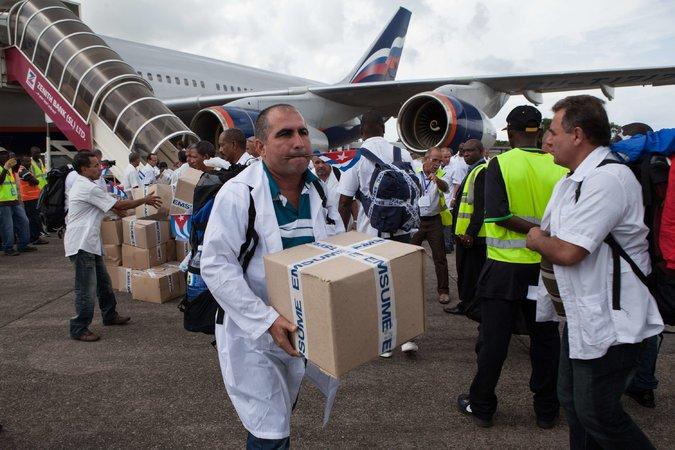 460 Operatori sanitari cubani andranno in Sierra Leone,Liberia e Guinea, a fronteggiare Ebola 19cuba-editorial-master675