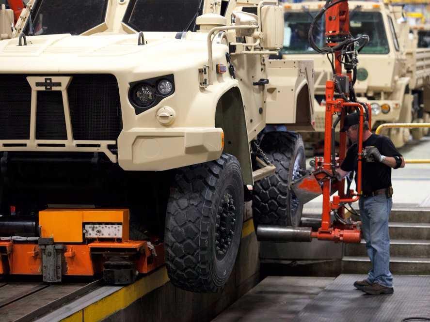 les futurs Humvee peut étre ??????? Oshkosh-jltv-1