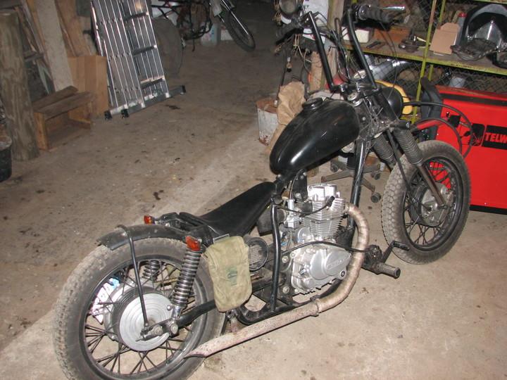 IZ 250cc rat-bobber - Page 5 Large_21963277_9ksQ