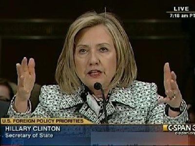La défiance des Français vis à vis des médias... Hillary-clinton-says-al-jazeera-is-putting-american-media-to-shame