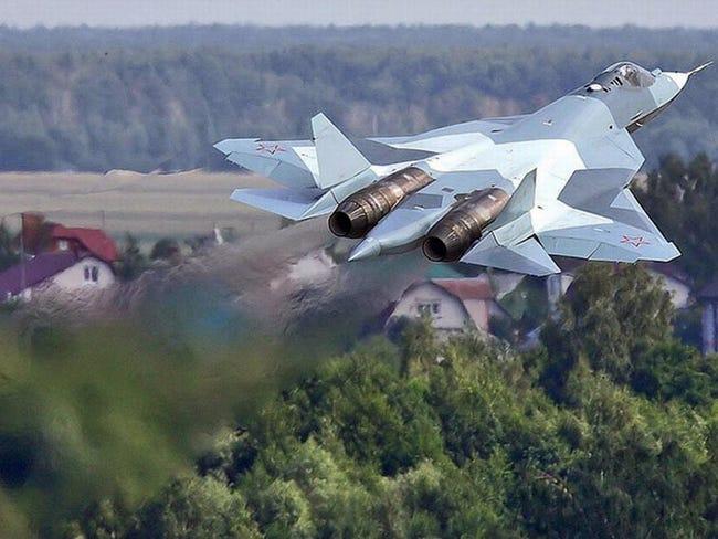 تجارب مقاتلة جديدة متعددة الأغراض في روسيا T-50-pak-fa