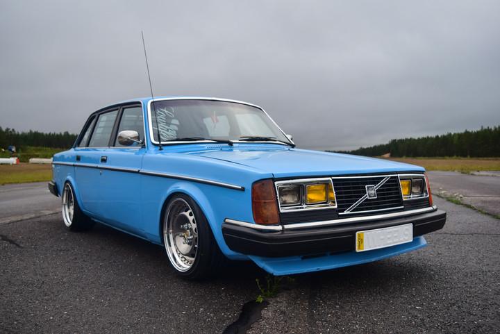 Ollu: Volvo 240 B230FT 0110316691416e3