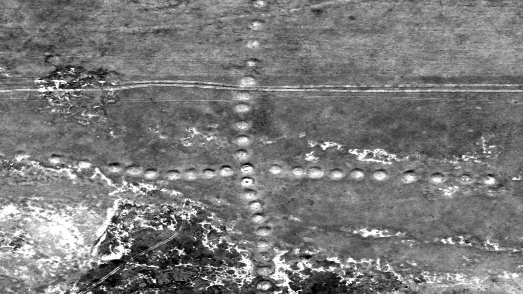 Urme ale extraterestrilor pe Pamant. Descoperiri inexplicabile III - Pagina 4 NASA-2