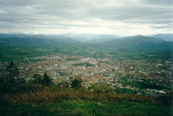 [Off Topic] Los lugares mas bonitos de tu ciudad! 638608-View_on_Oviedo_from_Monte_Naranco-Oviedo