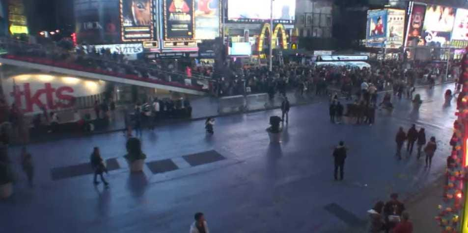 Watch Hurricane Sandy Live From Every Corner Of New York! Times-square