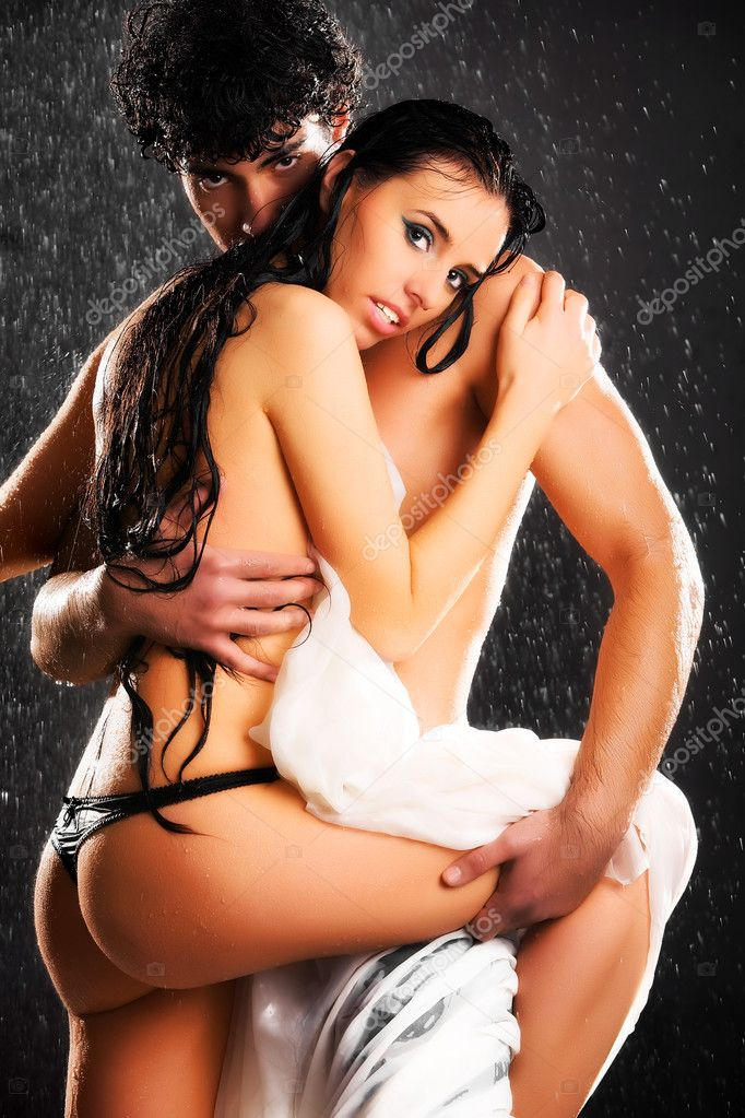 Zagrljaj - Page 3 Depositphotos_1348796-Young-sexy-couple