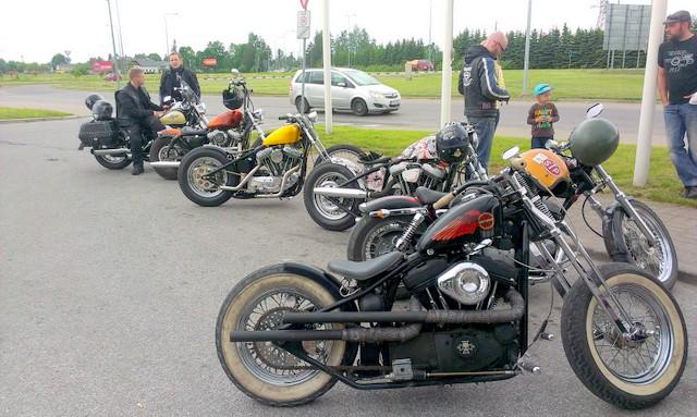 Harley Davidson Sportster 1990, bobber - Page 4 Orig_28759069_vd03