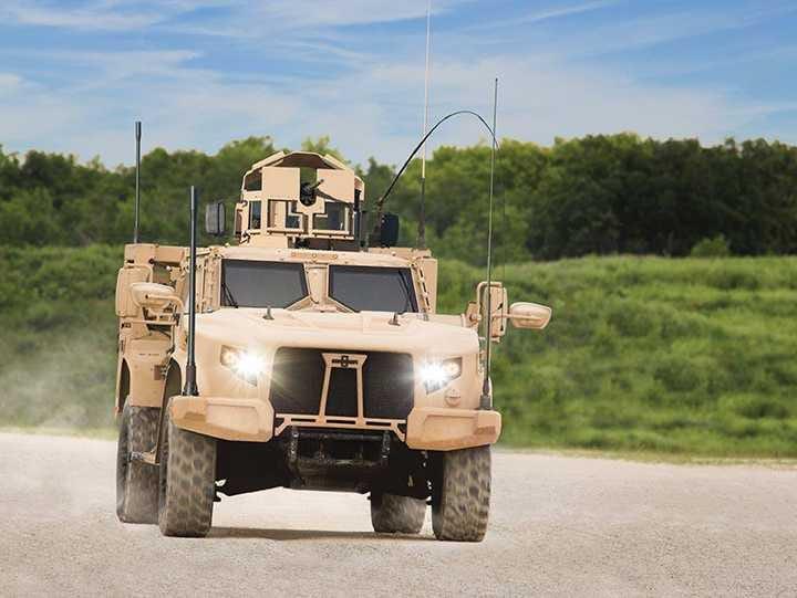 les futurs Humvee peut étre ??????? Oshkosh-jltv-2