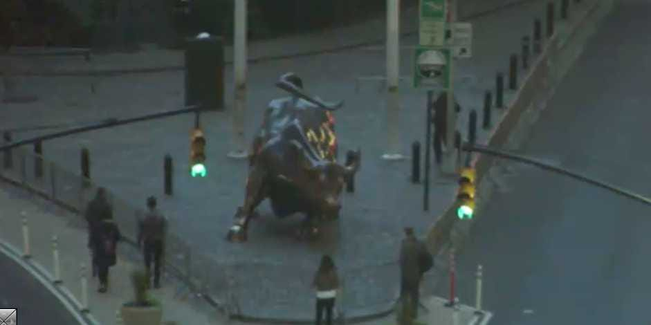 Watch Hurricane Sandy Live From Every Corner Of New York! Wall-street-bull