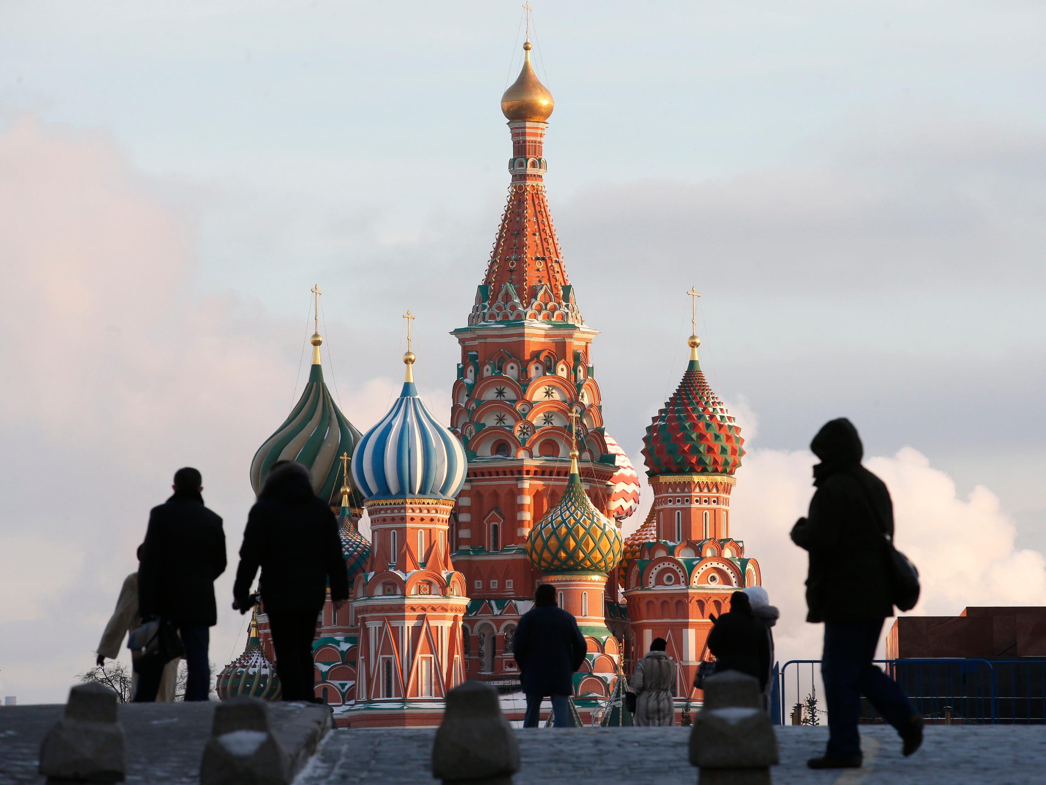 بوتين يواجه عدوا من صنع يده Russia-is-preparing-for-something-at-the-kremlin-while-putins-absence-baffles-everyone