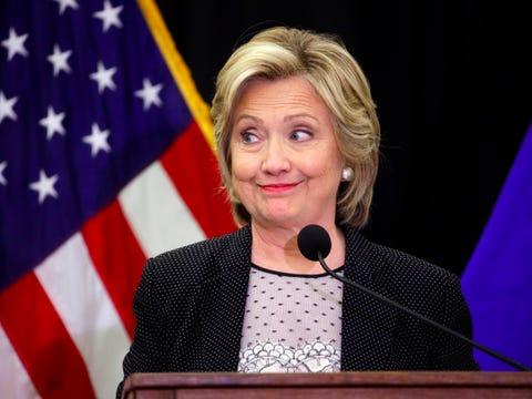 Donald (Trump) - Page 10 Hillary-clinton