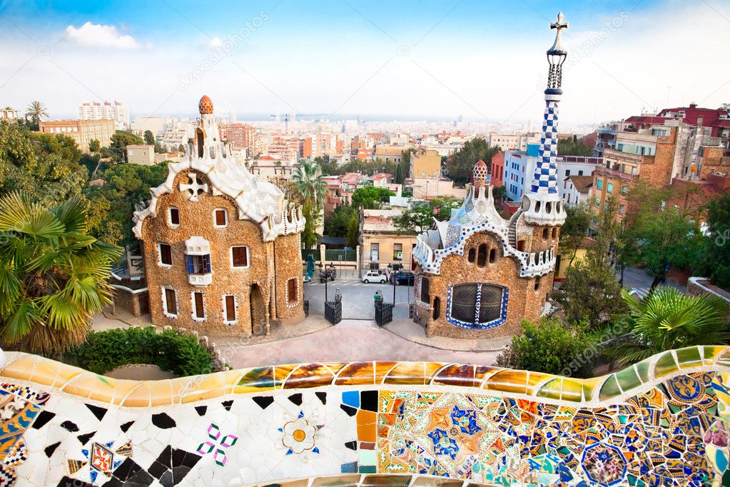 Najpoznatije svetske arhitekte Depositphotos_9177844-Colorful-architecture-by-Antonio-Gaudi-in-park-Guell