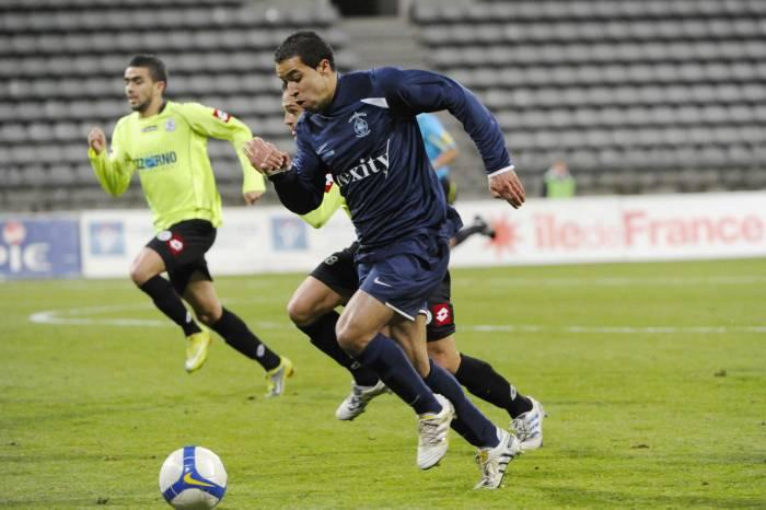 FC MARTIGUES // CFA GROUPE C CLUB et VILLE  - Page 14 20101129iconsport_por_271110_101_38