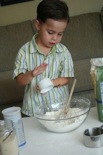 No Knead Bread: so easy a 4-yr old can make it! No-knead-bread4