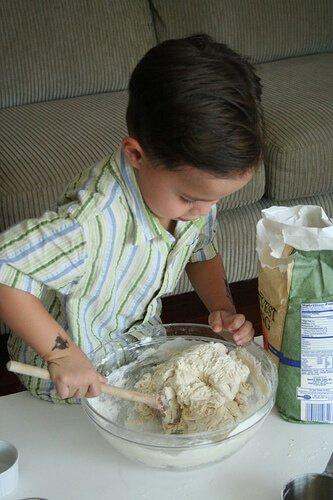No Knead Bread: so easy a 4-yr old can make it! No-knead-bread5