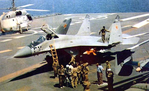 موسوعة اجيال الطائرات المقاتلة واشهر طائرات كل جيل - صفحة 10 Mig29k-7