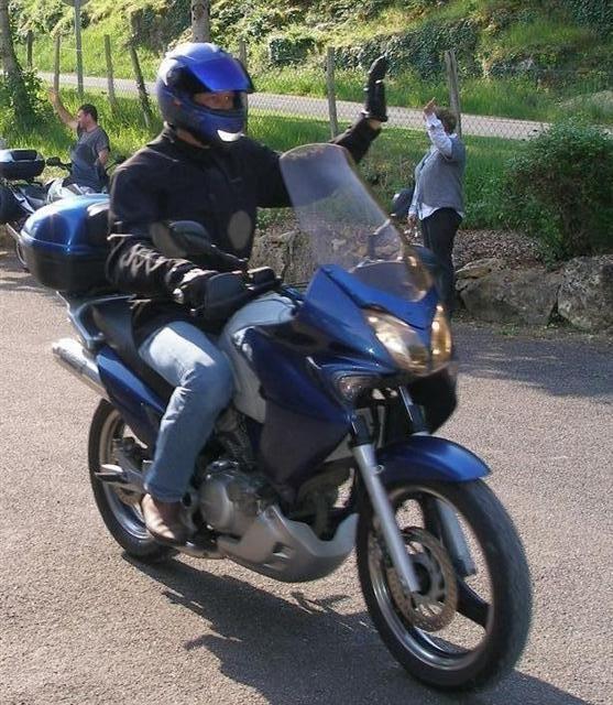 on y va du souvenir : première moto 25910913