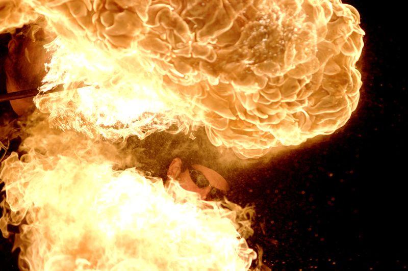 Photos cracheurs de feu - anniversaire 8 ans palais tokyo 21 janvier 2012 - Page 5 72146009