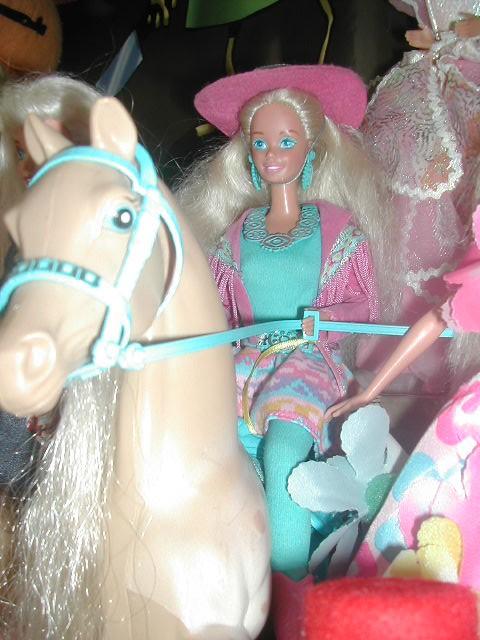 Vos Barbie de petite fille - Page 16 7190862