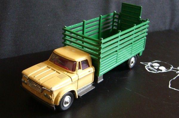 """Les """"petites voitures"""" à l'effigie des héros des années 80 51430955"""