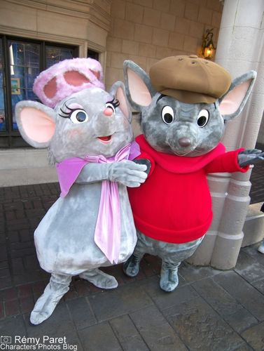 La Saint Valentin à Disneyland Paris - Page 5 49824412_m
