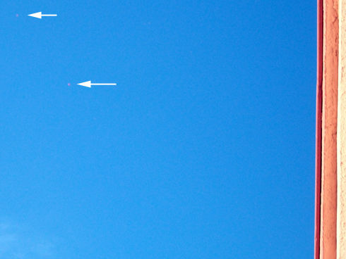 2010: Le 13/08 - Perpignan : vol en formation de sphères 56081031