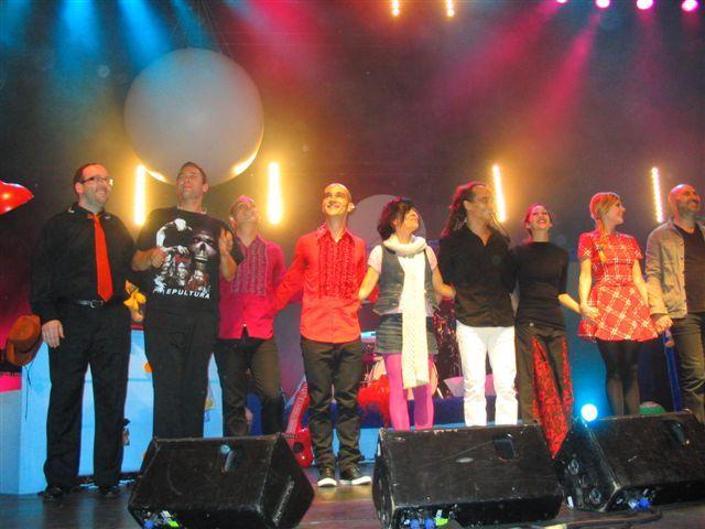 Elodie à l'Olympia avec Aldebert (01 novembre 2009) - Page 2 45939653