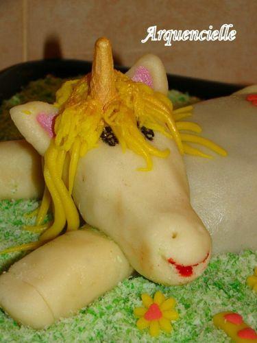 cheval, zèbre et licorne - Page 4 43542287_m
